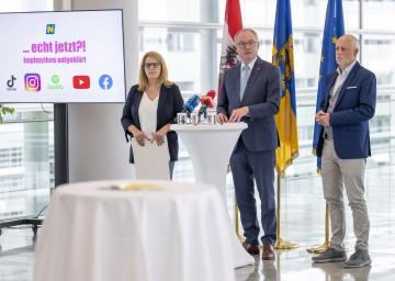 Bei der Pressekonferenz (von links): Landesrätin Ulrike Königsberger-Ludwig, LH-Stellvertreter Stephan Pernkopf und Patientenanwalt Gerald Bachinger.