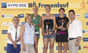 Die Top 3 des 10,4 Kilometer-Laufes: Mag. Barbara Baumgartner (Hypo NÖ), Landesrätin Mag. Barbara Schwarz, Anita Miedl (2. Platz), Anita Hollaus (1. Platz), Marie Flandorfer (3. Platz) und Martin Gabler (NV Versicherung). (v.l.n.r.)