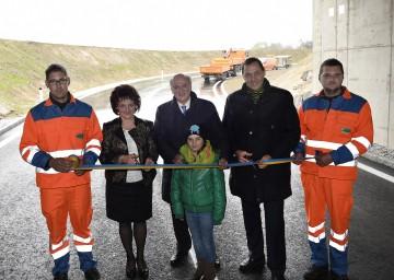 Verkehrsfreigabe der neuen Anschlussstelle Gföhl Ost mit Bürgermeisterin Ludmilla Etzenberger, Landeshauptmann Dr. Erwin Pröll und NÖ Straßenbaudirektor DI Josef Decker. (v.l.n.r.)