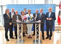 Bei der Präsentation des neuen NÖ Beschäftigungspaktes für die Jahre 2018 bis 2020.