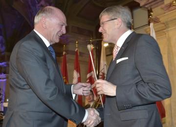 Landeshauptmann Dr. Erwin Pröll übernahm den Vorsitz der Landeshauptleute-Konferenz vom Kärntner Landeshauptmann Dr. Peter Kaiser.
