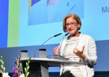Landeshauptfrau Johanna Mikl-Leitner hielt die Festrede bei der Betriebsräteversammlung der NÖ Landeskrankenhäuser und NÖ Pflege- und Betreuungszentren.