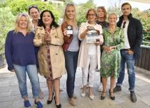 Im Bild von links nach rechts: Sabine Weber, Sonja Hofmann, Maria Happel, Lilian Klebow, LH Johanna Mikl-Leitner, Bettina Kuhn, Kathrin Zechner, Michael Steinocher