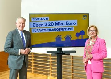 Landeshauptfrau Johanna Mikl-Leitner und Landesrat Martin Eichtinger: 220 Millionen Euro für Wohnbauoffensive bewilligt.