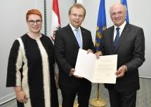 Im Bild von links nach rechts: Die österreichische Botschafterin in Slowenien Mag. Sigrid Berka, der slowenische Botschafter in Österreich Dr. Andrej Rahten und Landeshauptmann a. D. Dr. Erwin Pröll.