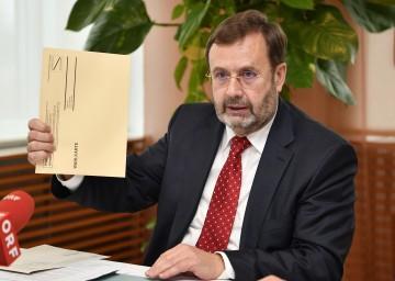 Ing. Hans Penz, Präsident des NÖ Landtages, informierte über die Bundespräsidenten-Stichwahl am 4. Dezember