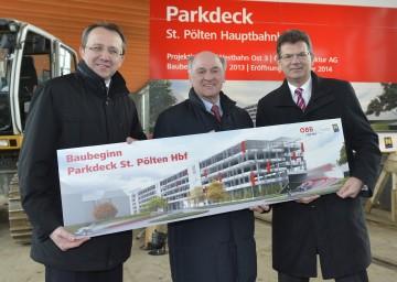 Baubeginn für das neue Parkdeck beim Bahnhof St. Pölten: Bürgermeister Mag. Matthias Stadler, Landeshauptmann Dr. Erwin Pröll und ÖBB-Geschäftsbereichsleiter Heinz Gschnitzer.