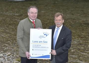 Im Bild von links nach rechts: Umwelt-Landesrat Dr. Stephan Pernkopf und Bürgermeister Martin Ploderer.