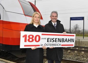 ÖBB Personenverkehrsvorständin Evelyn Palla und Verkehrslandesrat Karl Wilfing (v.l.n.r.)