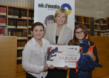 """Landesrätin Mag. Barbara Schwarz präsentierte \""""Drachenrachen Sagensachen\"""""""