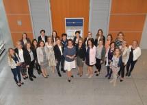 Start des Politik Mentoring Programms: Landesrätin Christiane Teschl-Hofmeister (Mitte) mit den Mentorinnen und Mentees sowie dem Organisationsteam des Programms.