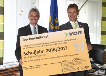 Im Bild von links nach rechts: Landesrat Mag. Karl Wilfing und VOR-Geschäftsführer Wolfgang Schroll