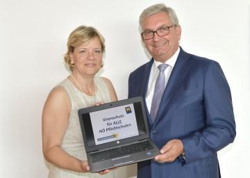 Virenschutz für alle NÖ Pflichtschulen: Bildungs-Landesrätin Mag. Barbara Schwarz und NÖ Gemeindebund-Präsident Mag. Alfred Riedl (v.l.n.r.)