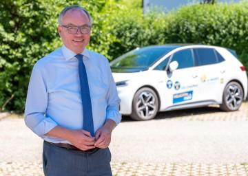 Für LH-Stellvertreter Stephan Pernkopf ist die Elektromobilität längst kein Randthema mehr
