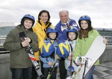 NÖ Skihelm-Aktion: Im Rahmen der von Landeshauptmann Dr. Erwin Pröll und Landesrätin Mag. Johanna Mikl-Leitner initiierten Aktion stehen heuer insgesamt 6.000 geförderte Kinder-Skihelme zur Verfügung.