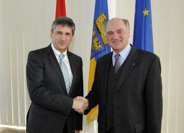 Landeshauptmann Dr. Erwin Pröll und Außenminister Dr. Michael Spindelegger nach dem heutigen Arbeitsgespräch in St. Pölten.