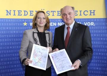 Landeshauptmann Dr. Erwin Pröll und Bundesministerin Doris Bures präsentierten die nächsten Schritte im Ausbau der Verkehrsinfrastruktur in Niederösterreich.