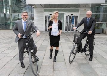 Landesrat Ludwig Schleritzko, Julia Krenn, Expertin aus dem NÖ Landesstraßendienst und Werner Pracherstorfer, Landesverkehrsplaner präsentierten die neue Strategie.