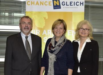 """Fachtagung """"Chancengleichheit in Niederösterreich"""": Univ.-Prof. DI Dr. Friedrich Zibuschka, Landesrätin Mag. Barbara Schwarz, Landesrechnungshofdirektorin Dr. Edith Goldeband. (v.l.n.r.)"""