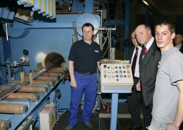 Landeshauptmann Dr. Erwin Pröll bei der Inbetriebnahme der neuen Strangpresse der Neuman Aluminium GmbH in Marktl.