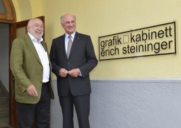 """Neues Atelier \""""Grafik Kabinett Erich Steininger\"""" in Kirchbach eröffnet: Prof. Erich Steininger und Landeshauptmann Dr. Erwin Pröll (v.l.n.r.)."""