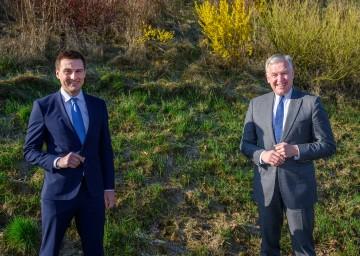 AMS NÖ-Geschäftsführer Sven Hergovich und der für den Arbeitsmarkt zuständige Landesrat Martin Eichtinger