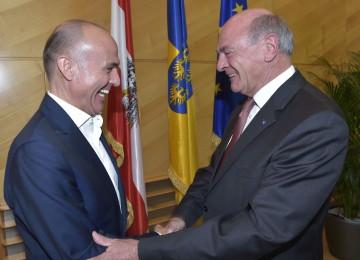 Landeshauptmann Dr. Erwin Pröll und Verteidigungsminister Gerald Klug.