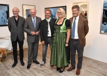 Eröffnung des Zentrums der Glasätzung in Großnondorf: Michael Fuchs, Landeshauptmann Dr. Erwin Pröll, Werner Goll und Gattin Gabriela sowie Karl Hohenlohe. (v.l.n.r.)