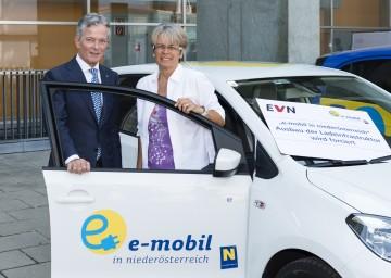 Mehr Stromtankstellen in Niederösterreich geplant: EVN-Vorstandssprecher Dr. Peter Layr und Landesrätin Dr. Petra Bohuslav informierten.