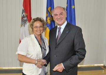 Bundesministerin Mag. Claudia Bandion-Ortner und Landeshauptmann Dr. Erwin Pröll nach dem heutigen Arbeitsgespräch im St. Pöltner Landhaus.