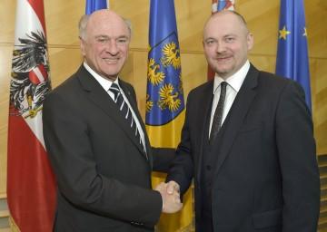 Landeshauptmann Dr. Erwin Pröll mit dem Kreishauptmann von Südmähren, Dr. Michal Hasek.