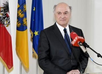 Landeshauptmann Dr. Erwin Pröll  wird nach fast 25 Jahren als Landeshauptmann von Niederösterreich abtreten.