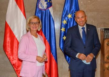 Landeshauptfrau Johanna Mikl-Leitner mit dem slowenischen Ministerpräsidenten Janez Janŝa.