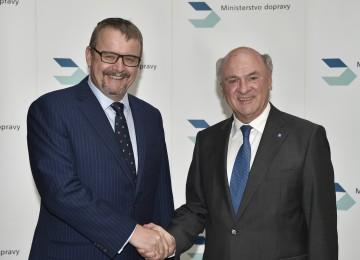 Landeshauptmann Dr. Erwin Pröll traf in Prag mit dem tschechischen Verkehrsminister DI Dan Tok zu einem Arbeitsgespräch zusammen.
