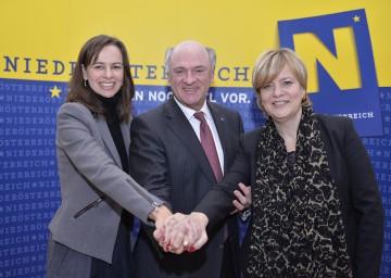 Pressekonferenz zum Thema Familienpolitik: Bundesministerin MMag. Dr. Sophie Karmasin, Landeshauptmann Dr. Erwin Pröll und Landesrätin Mag. Barbara Schwarz (v.l.n.r.).