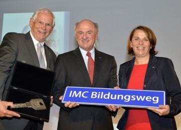 Landeshauptmann Dr. Erwin Pröll und die beiden IMC-Geschäftsführer Dr. h.c. Heinz Boyer und Mag. Ulrike Prommer bei der Eröffnung des Erweiterungsbaus der IMC Fachhochschule Krems.