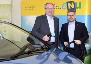"""LH-Stellvertreter Stephan Pernkopf und Landesrat Ludwig Schleritzko informierten zum Thema """"Landesinitiativen zur E-Mobilität""""."""