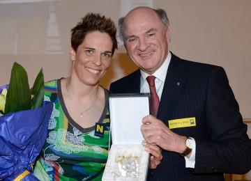Michaela Dorfmeister und Landeshauptmann Dr. Erwin Pröll beim MD Skifest in Lilienfeld.