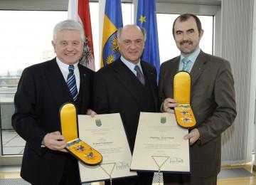 Hohe Auszeichnungen des Landes NÖ für den ehemaligen Landeshauptmannstellvertreter Ernest Gabmann und Landesrat a. D. DI Josef Plank durch Landeshauptmann Dr. Erwin Pröll.