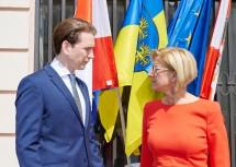 Bundeskanzler Sebastian Kurz und Landeshauptfrau Johanna Mikl-Leitner im Gespräch.