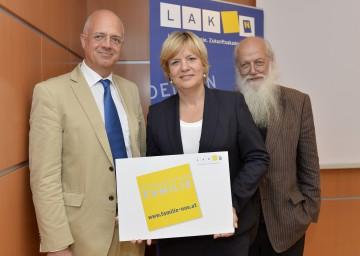 Informierten über die moderne Familienpolitik in Niederösterreich: Prof. Dr. Wolfgang Mazal, Landesrätin Mag. Barbara Schwarz und Prof. Dr. Rudolf Bretschneider (v.l.n.r.)