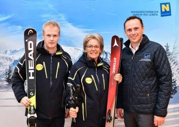 Im Bild von links nach rechts: NÖ-BBG Geschäftsführer Markus Redl, Wirtschats- und Tourismuslandesrätin Petra Bohuslav, Jochen Danninger, kaufmännischer Geschäftsführer von ecoplus.