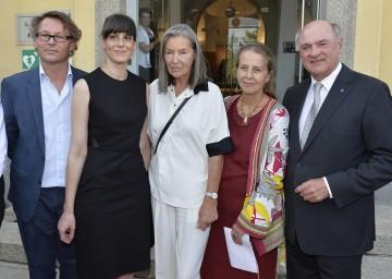 LH Dr. Erwin Pröll eröffnete die Sommerausstellungen der Kunsthalle Krems. Im Bild mit Hans-Peter Wipplinger, Stephanie Damianitsch, Elfie Semotan und Brigitte Borchhardt-Birbaumer (v.l.n.r.)