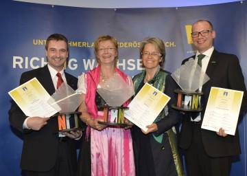 Herwig Gruber von Kastner, Elisabeth Koppensteiner von GARTENleben, Wirtschafts-Landesrätin Dr. Petra Bohuslav und Martin Wenderoth von B.Braun Austria (vlnr) bei der Verleihung des TRIGOS-Preises 2013 in St. Pölten.
