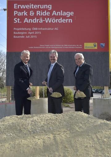 Im Bild von links nach rechts: ÖBB-Infrastruktur Vorstand Franz Bauer, Landesrat Karl Wilfing, Bürgermeister Maximilian Titz