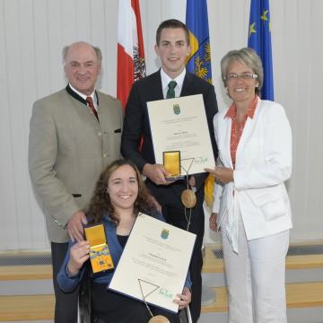 Hohe Ehrenzeichen des Landes NÖ für Claudia Lösch und Martin Würz.