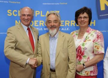 Landeshauptmann Dr. Erwin Pröll, der Künstler Arnulf Rainer und Bürgermeisterin Erika Adensamer präsentierten das Konzept für das neue Rainer-Museum im ehemaligen Frauenbad in Baden.