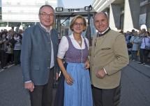LH-Stellvertreter Stephan Pernkopf, Landeshauptfrau Johanna Mikl-Leitner und Bundesminister Wolfgang Sobotka beim Landhausfest in St. Pölten (v.l.n.r.)