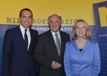 Verkehrsministerin Doris Bures, Landeshauptmann Dr. Erwin Pröll und ÖBB-Generaldirektor Mag. Christian Kern informierten über den Start der neuen Westbahnstrecke (v.r.n.l.).