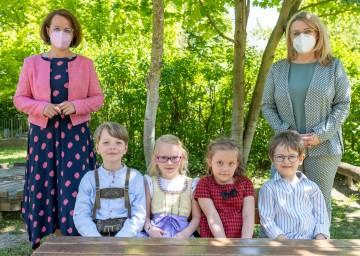 Bildungs-Landesrätin Christiane Teschl-Hofmeister und Gesundheits-Landesrätin Ulrike Königsberger-Ludwig zum Start in das neue Kindergartenjahr 2021/22